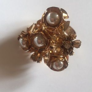 Boutique Gold & Pearl Ring